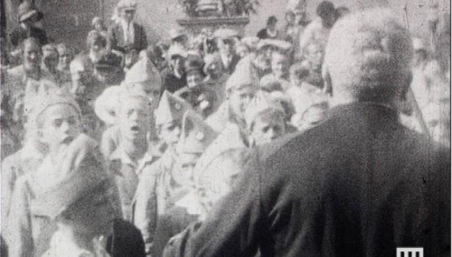 Distribution de prix de Boersch d'André Noufflard - 1932 - NB/muet - Film 9,5 mm © Normandie Images