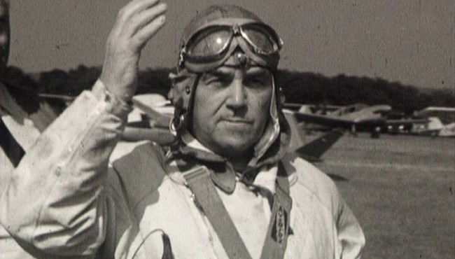 Photogramme issu du film amateur Fête d'aviation à Rouen de Guy Robert, 1950, 16mm © Normandie Images